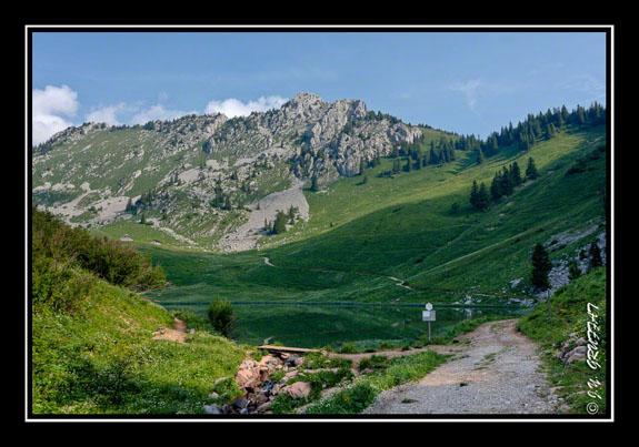 Le lac d\'Arvouin et la Pointe d\'Arvouin