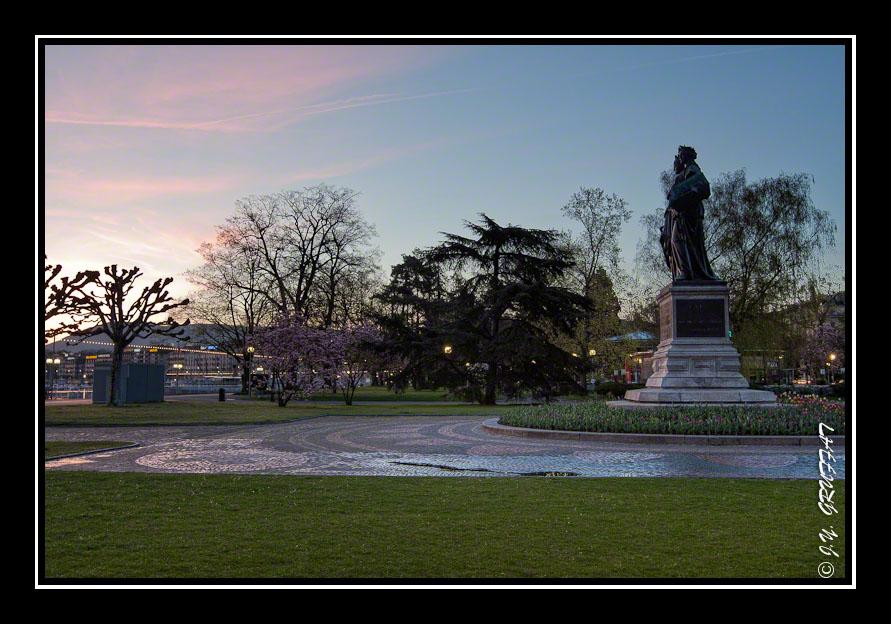 Gen ve l 39 aube egarements photographiques for Jardin anglais geneve suisse