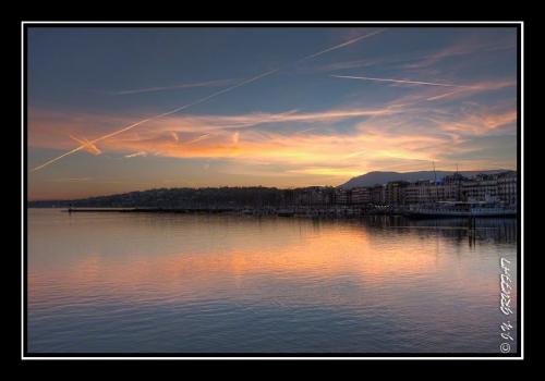 Genève et le lac Léman à l'aube