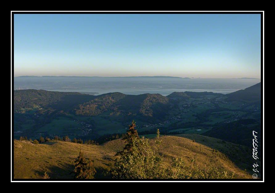 Vue sur le lac Léman et la Vallée verte