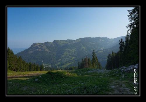 Le Mont César et les Mémises depuis le sommet des pistes de ski de Bernex